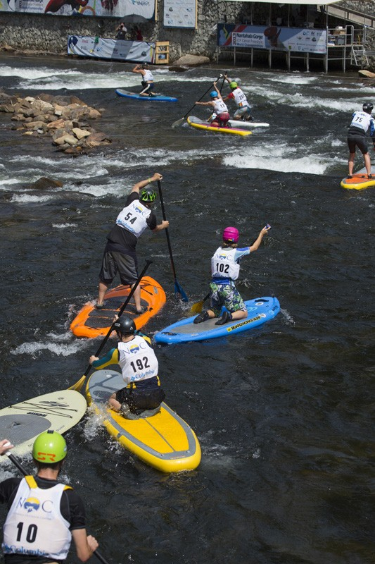 SUP racers trying ti make the cut