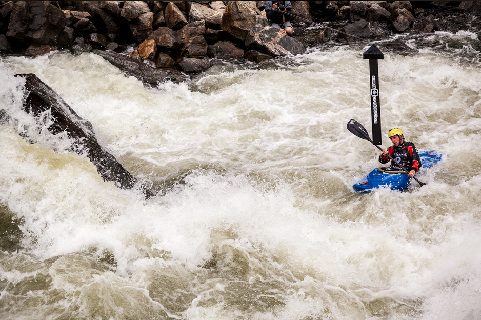 2014 winner, Jules Domine on his winning run making his way around gate 1 at Rock Drop in Jacob's Ladder. North Fork Championship III 2014. | © Mike