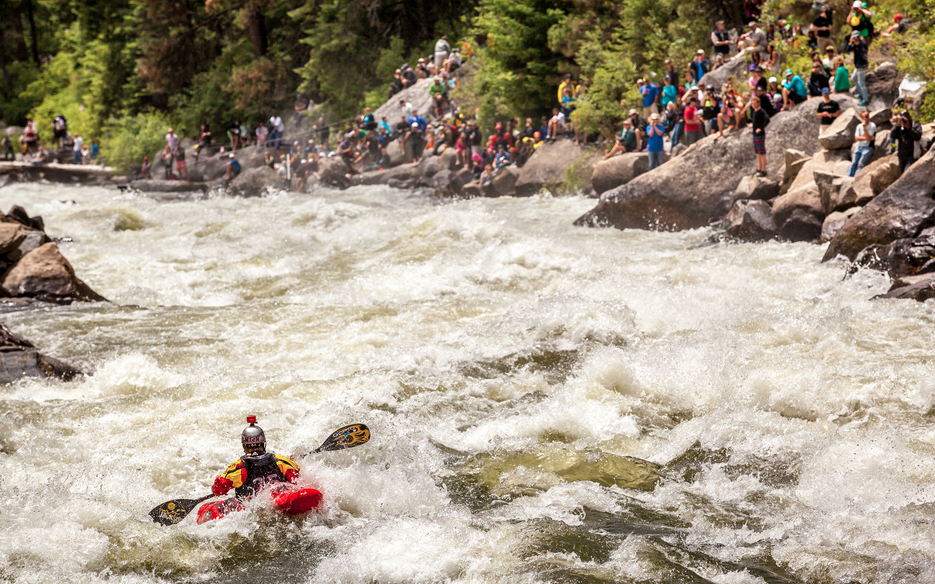Nick Troutman entering Jacob's Ladder.North Fork Championship III 2014. | © Mike Leeds