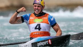 joe clarke (bg) wins stage 1 of the ICF slalom world cup ©ICF