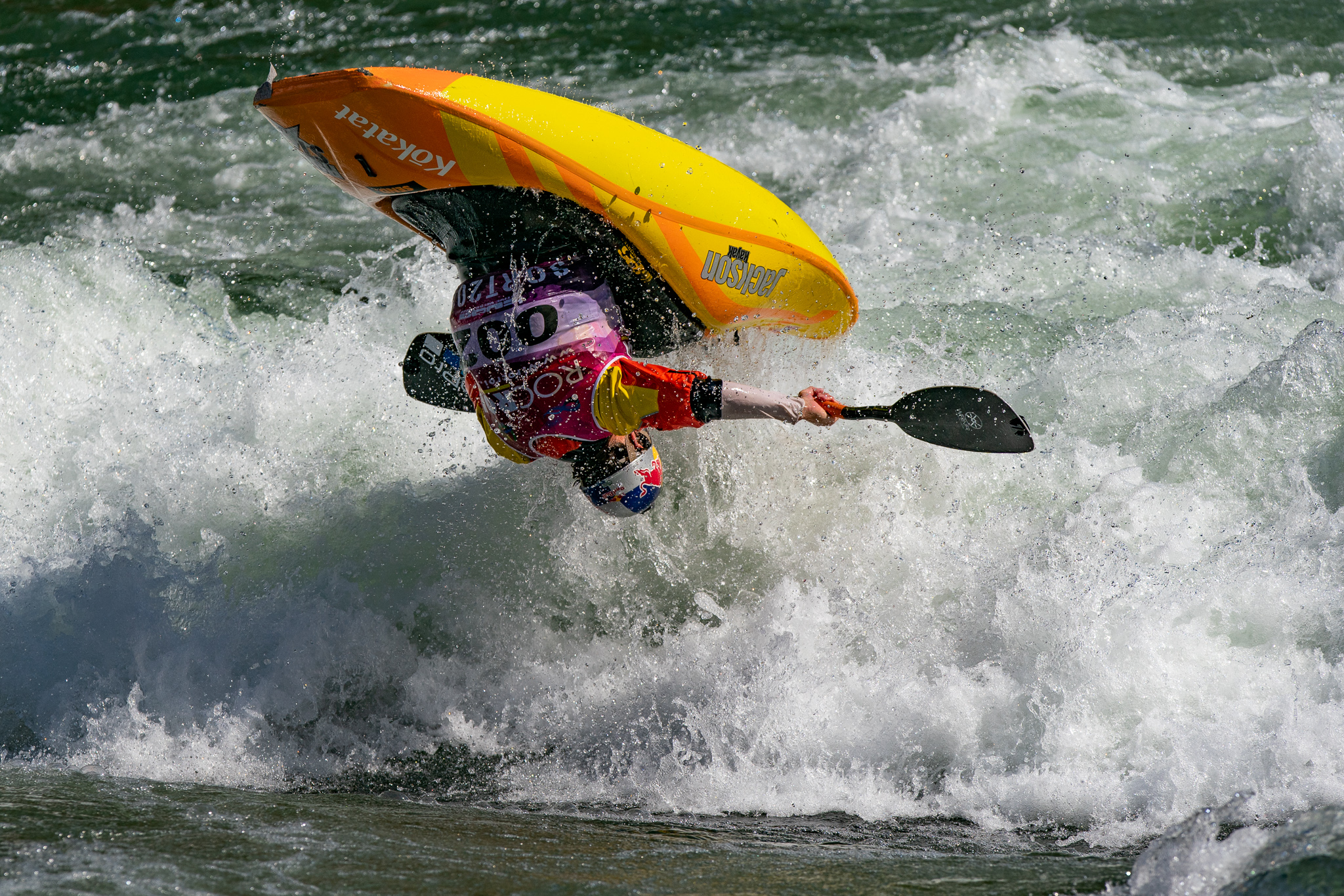 Dane Jackson (USA) flies high as he works to regain his title of world champion. ©Peter Holcombe:kayaksession.com