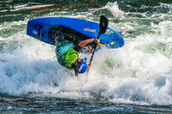 Mason Hargrove (USA) threw an untouchable first ride and claimed the gold in his first world championships. ©Peter Holcombe:kayaksession.com