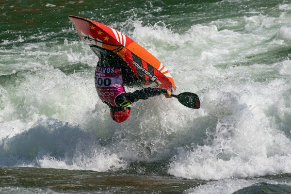 Sebastien Devred from France takes 4th in the quarter finals. ©Peter Holcombe:kayaksession.com