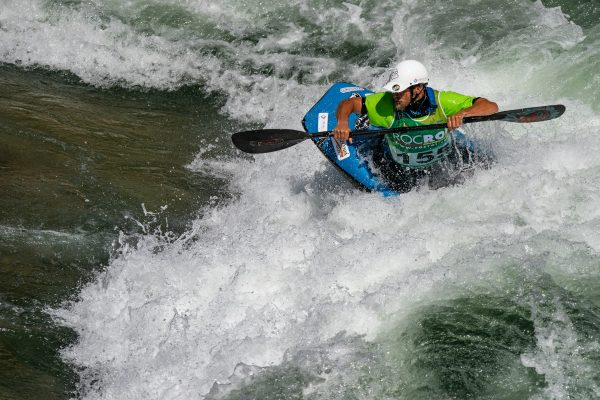 Tomasz Szaplicki from Poland takes 6th in quarter finals. ©Peter Holcombe:kayaksession.com