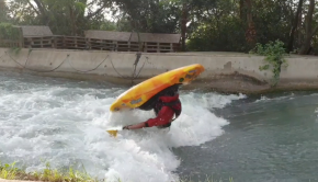 french paddler Youri Pral Madec at the Makinito freestyle contest