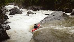 kayaker down the Rio Sarapullu in Ecuador.