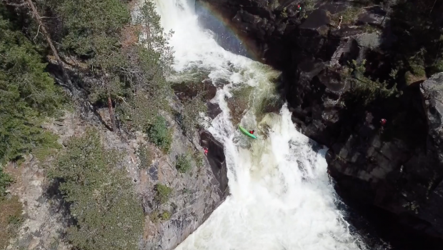 Check this Norvegian paddlers running a waterfall backwards and upside down in the Telemark region of Norway; the landing results in a proper beater...