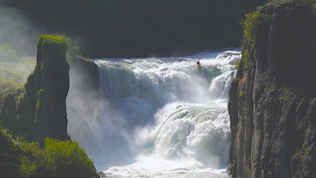 Adam Muldoom firing up the middle line on Mesa Falls (Henrys Fork River near Warm River, ID) ©kayaksession.com
