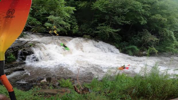 kayakers down the nantahala cascade