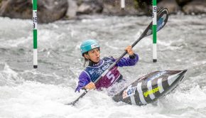 Marie Zelia-Lafont on her way to win the 2020 ICF slalom world cup in Pau