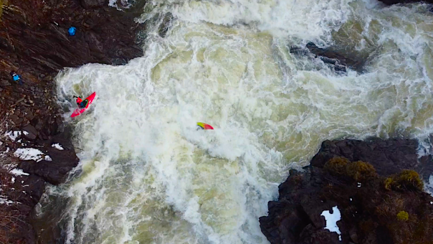 Sweet aerial shot of a proper beater followed by a long swim on the Chutes de Plaisance on the Gatineau in Quebec (Canada) Paddlers: Étienne Béland, Chuck Nomade Drone Shoot : Maxime Chartrand, Étienne Béland