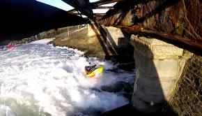 Simon Pink freestyle kayaking