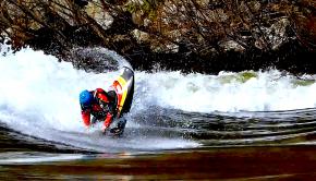 Quim Fontane Freestyle kayaking on the fiera wave