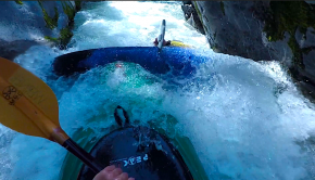 Follow Heiner Schumacher going down the Queyras Gorge of the Guil, when suddenly his friend Lodi gets pinned sideways, trapping both paddlers. Fellow paddler Christian then comes through swimming.